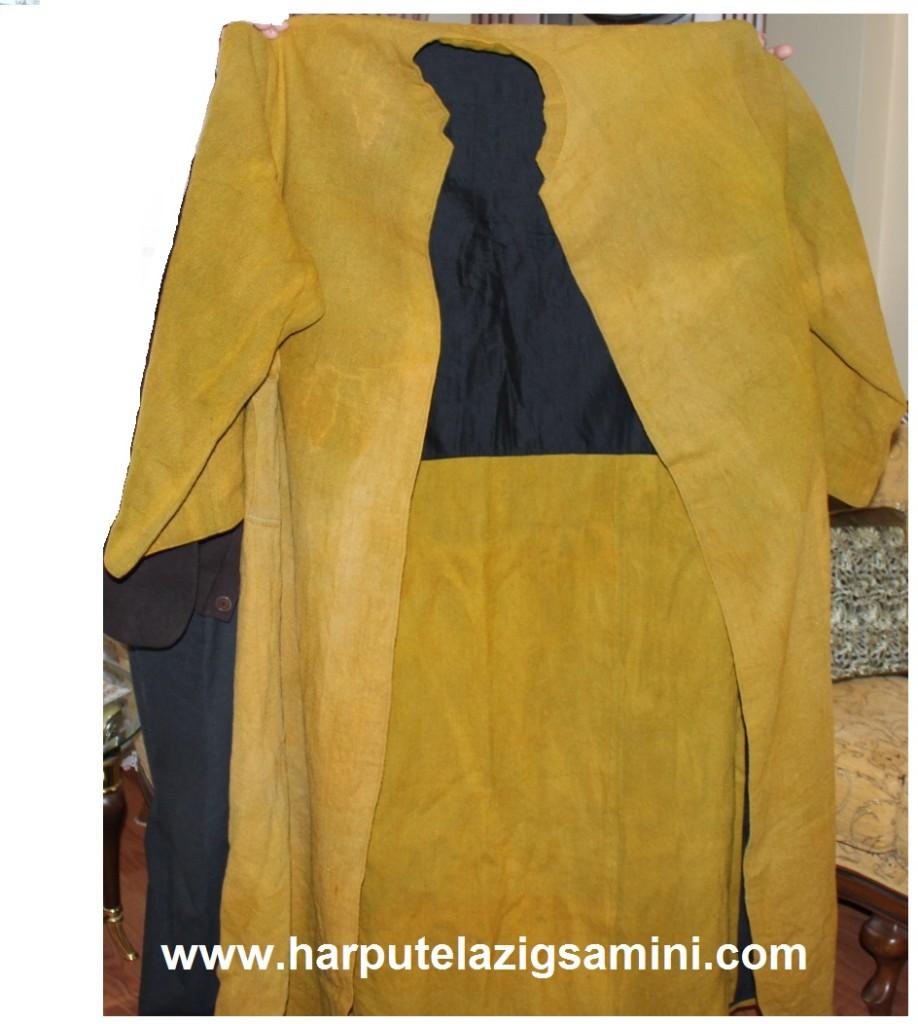 Saadeddin (Sadi) Efendi Hazretlerinin el dokuması cübbesi. Sadi Efendi son derece uzun boylu ve heybetli bir Zattı.